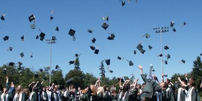 Graduation day in piazza per 170 laureati di Economia